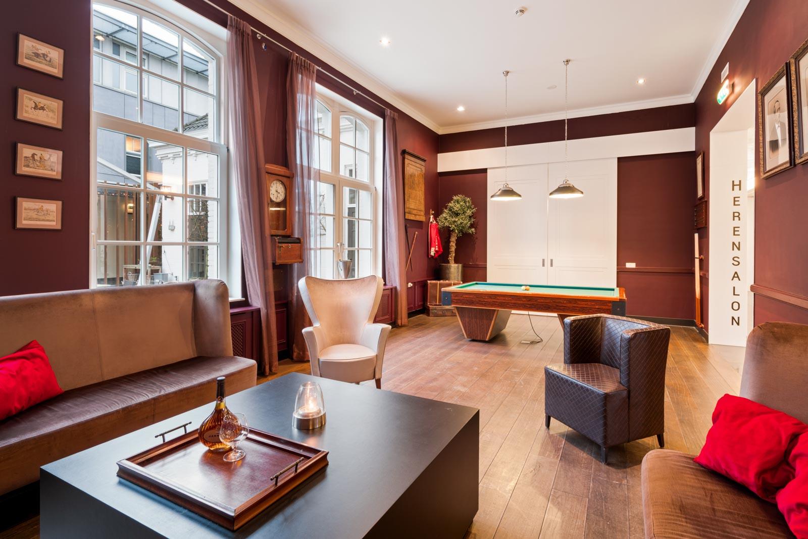 De Herensalon bij Hotel Merlinde