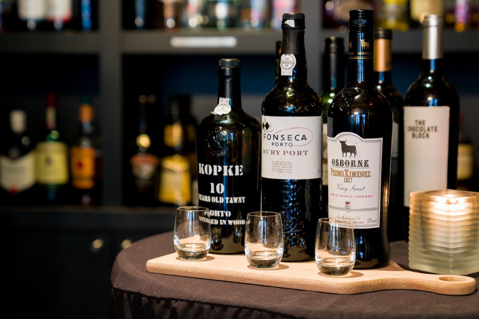 Port en sherry in het restaurant van Hotel Merlinde
